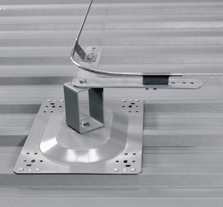 KeeLine<sup>®</sup> comprises a stainless-steel wire, electro-polished brackets, detachable travellers and powder coated anchors