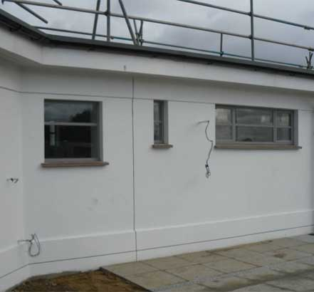 Ronacrete provides a new surface finish to the buildings of Uxbridge Lido