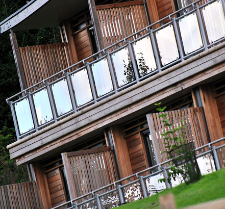 FUSION<sup>®</sup> Commercial outdoor balustrade is suitable for installation on high level decks and balconies