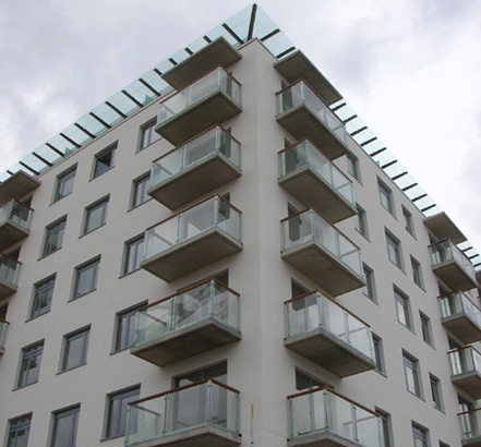 Balcony balustrades and glass infill panels