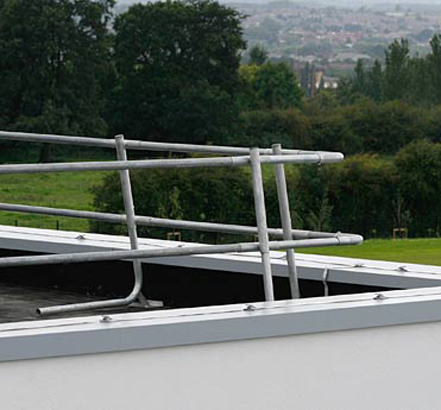 Rhinorail forms perimeter protection to flat roof areas