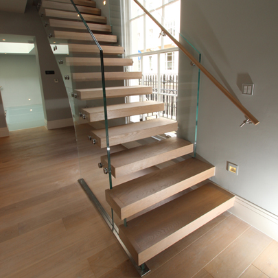 london cantilever glass balustrade