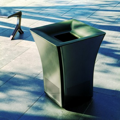 Landscape Forms Pitch litter receptacle