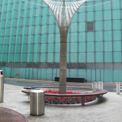 Stylish street furniture for Canary Wharf