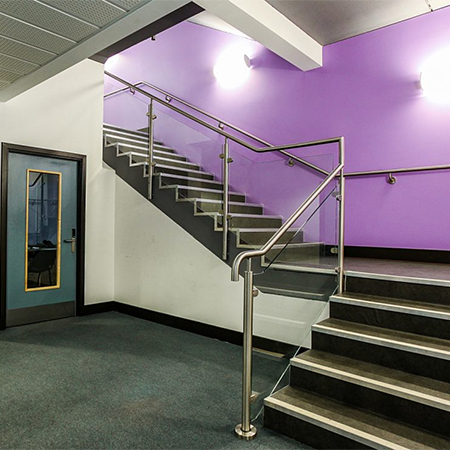 Stainless steel balustrade system for Oasis Academy