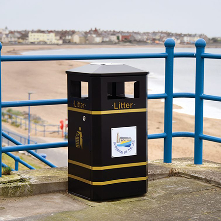 Derby Standard litter bins for Newbiggin by the Sea