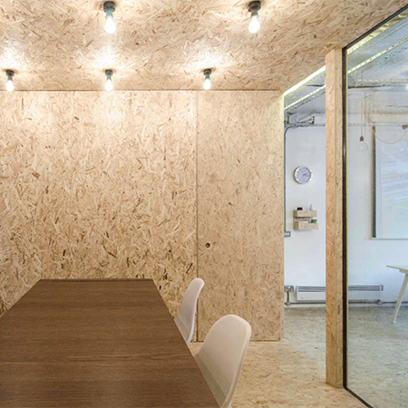 Exposed SMARTPLY OSB3 for office design feature