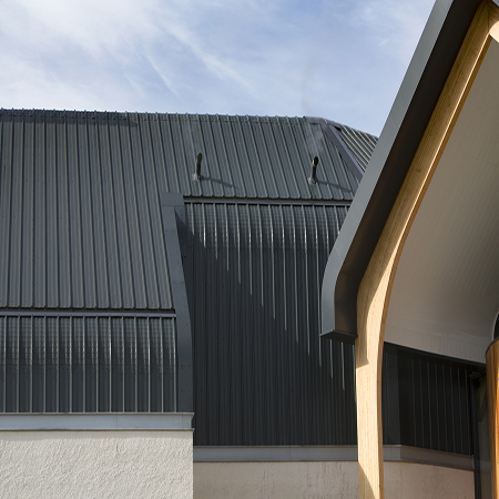 Kingspan Insulated Panels create striking exterior to Dalmunach Distillery