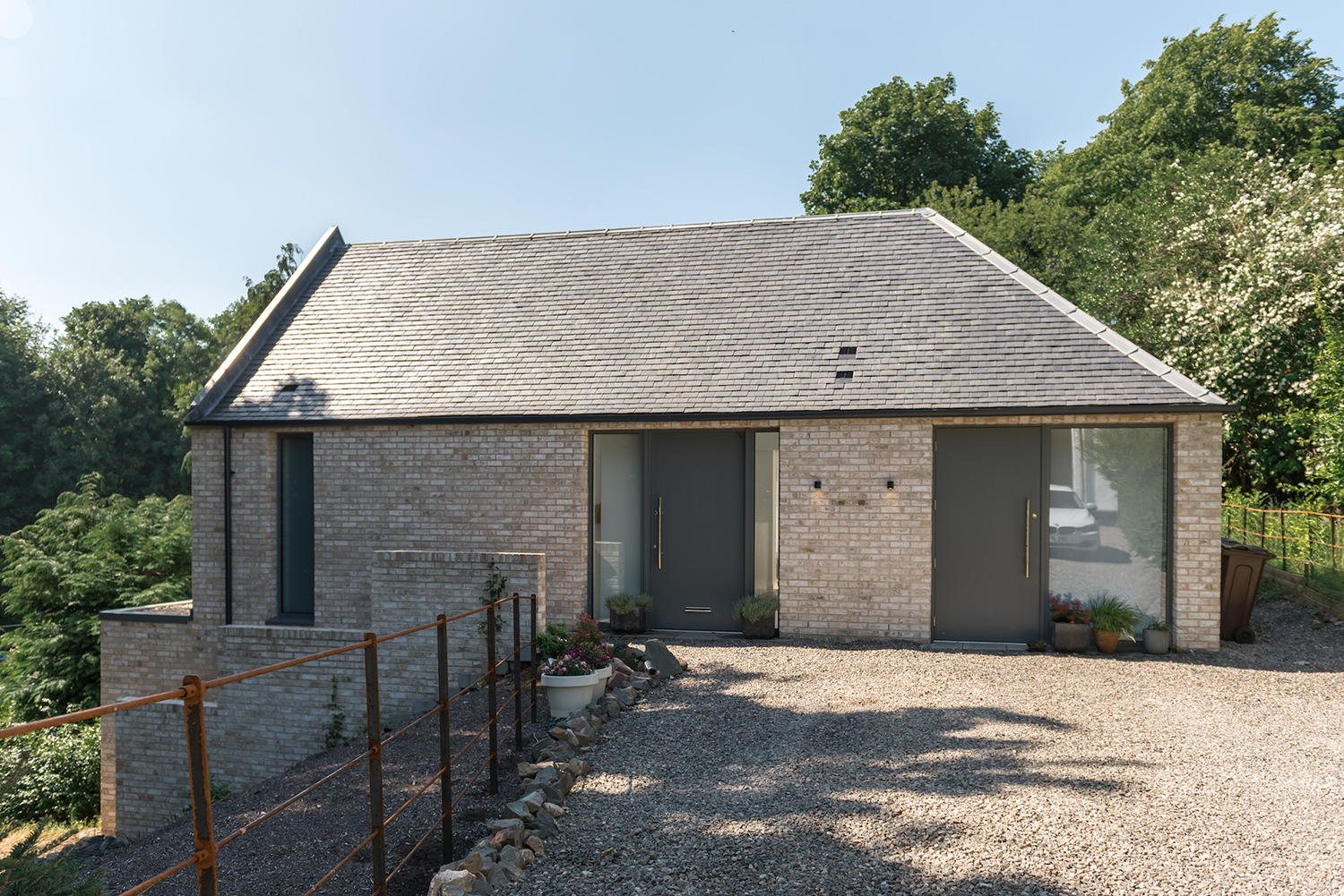 CUPA Heavy 3 slate provides traditional look for modern property